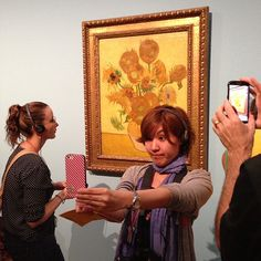 #Selfie is chosen as word of the year by Van Dale Uitgevers.  Photo: http://instagram.com/p/d40fGum23y/# by beccaburns