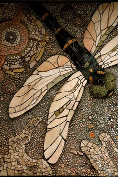Ideas yard art dragonfly mosaic garden for 2019 Pebble Mosaic, Mosaic Art, Mosaic Glass, Mosaic Tiles, Stained Glass, Glass Art, Stone Mosaic, Mosaic Walkway, Pebble Art