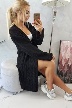Casual Chic Outfits, Cardigan Outfits, Sweater Fashion, Underarm, Modeling, Overalls, Hollister, Elegant, Stylish