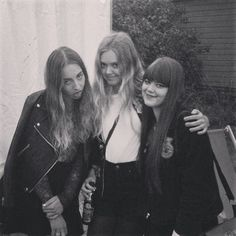 Sorry @babyhaim and @dyelllla but we might have to steal Este from you. She's the third sister we've always wished we had.