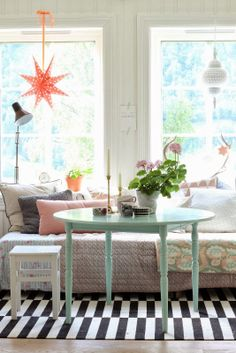 If your home feels dark and heavy, you can lighten and brighten your home by adding extra lighting. However another option is to change the colors in your room. Here are a few ideas for how to brighten your home using color. Home Living Room, Living Spaces, Le Logis, Deco Addict, Piece A Vivre, Deco Design, Home And Deco, Home Interior, Interior Decorating