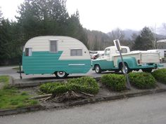 Amys VintageTrailers: XXX triple vintage trailer rally in Issaquah, Wa. I'm loving the matching truck! Tiny Trailers, Vintage Campers Trailers, Retro Campers, Vintage Caravans, Camper Trailers, Casita Trailer, Small Caravans, Old Campers, Happy Campers