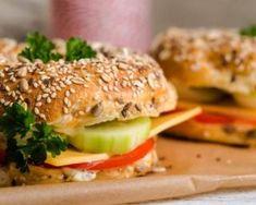 Bagel minceur oeuf dur, crudités et tzatziki léger : http://www.fourchette-et-bikini.fr/recettes/recettes-minceur/bagel-minceur-oeuf-dur-crudites-et-tzatziki-leger.html