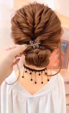 Bun Hairstyles For Long Hair, Braided Hairstyles, Hairstyles Videos, School Hairstyles, Easy Diy Hairstyles, Easy Wedding Hairstyles, Party Hairstyles, Hairstyle Braid, Diy Wedding Hair