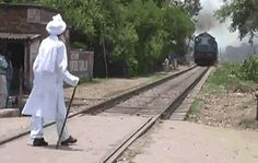 Des cônes spéciaux pour empêcher de traverser les voies ferrées!