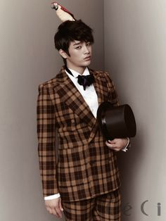 Seo In Guk suits up for Ceci and talks about his acting experience with Eunji Asian Actors, Korean Actors, Seo In Guk, Jellyfish Entertainment, Kpop, Korean Men, Attractive Men, Korean Beauty, K Idols