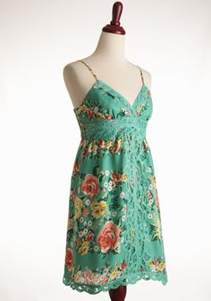 Lace 'n Rose Dress: Lovely green floral printed dress with lace trim and details. (via Dress911.com)