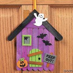 30 Halloween crafts for preschoolers - Aluno On Popsicle House, Popsicle Stick Crafts, Popsicle Sticks, Craft Stick Crafts, Baby Christmas Crafts, Halloween Arts And Crafts, Halloween Decorations For Kids, Casa Halloween, Halloween Frames