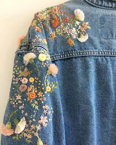 DIY Clothes Jacket etsy - Embroidery Jeans Jacket Etsy 69 Ideas For 2019 Diy Clothing, Custom Clothes, Diy Fashion, Fashion Outfits, Fashion Design, Diy Vetement, Painted Clothes, Embroidered Clothes, Embroidered Flowers