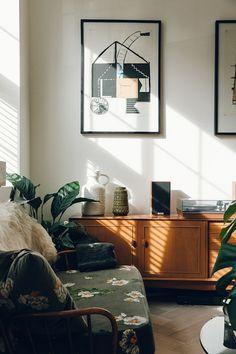 my scandinavian home: A Mid-century Inspired Home with Beautiful Light / Photo - Haarkon. Design Bentley Hagen Hall.