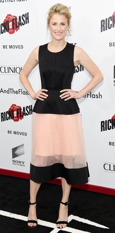 Mamie Gummer nearly upstaged mom Meryl Streep at the Ricki and the Flash premiere, striking a pose in a pretty black-and-nude color-block design that she styled with diamond studs and black sandals.