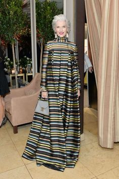 Harper's BAZAAR celebration of the 150 Most Fashionable Women in West Hollywood, Calif. Fashion Over 50, Look Fashion, Hijab Fashion, Trendy Fashion, Fashion Outfits, Womens Fashion, Fashion Design, Fashion Trends, Fashionable Outfits