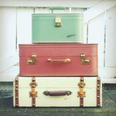 vintage suit cases for under bed storage Vintage Suitcases, Vintage Luggage, Vintage Travel, Vintage Trunks, Vintage Bags, Antique Trunks, Small Suitcases, Travel Suitcases, Vintage Chest