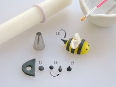 How to make a cute little fondant bumble bee. Good tutorial. What I used to top my honey cupcakes