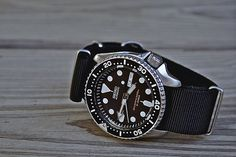 Seiko SKX007 with black NATO strap
