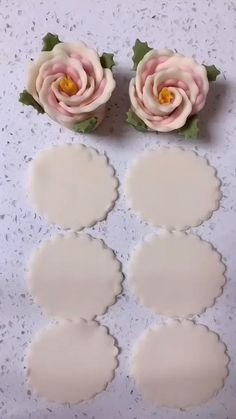 Cake Decorating Frosting, Creative Cake Decorating, Creative Food Art, Cake Decorating Videos, Cake Decorating Techniques, Creative Cakes, Fondant Flower Tutorial, Fondant Flowers, Decoration Patisserie