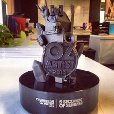 The award they won! 5 Seconds of Summer 5SOS
