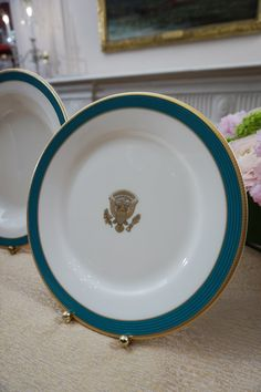 """First Look: Obama """"Kailua Blue"""" State China — Apartment Therapy at The White House"""