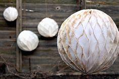 How to Make Glittery Honeycomb Balls for Christmas – Tuts+ Tutorials. #FreeTutorial #Christmas
