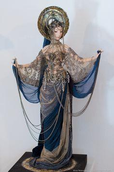 never mind the costuming!! /dies again [moon - sasha khudiakova]