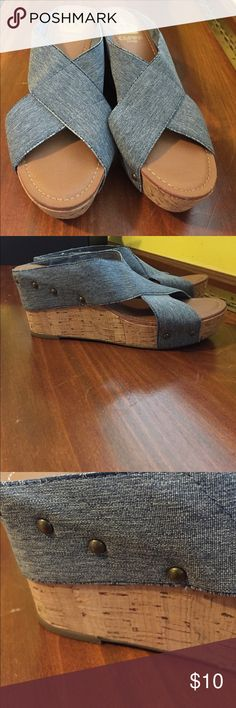 CROWN VINTAGE WOMENS WEDGES size 9M Very cute Women's blue wedges, EUC, barely worn in the perfect blue to match denim. The straps are made of a stretchy material that molds to the foot. Awesome shoes but wrong size for me😓 Crown Vintage Shoes Wedges