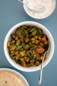 Bhinda nu shaak okra potato curry gujarati recipe indian curry bhinda nu shaak is a tasty gujarati curry make with okra lady fingers and okra currygujarati recipespotato curryindian curryvegan forumfinder Choice Image