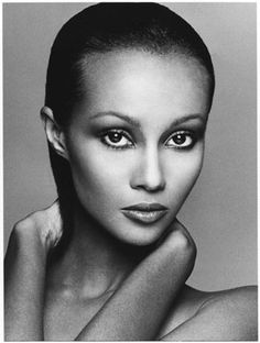 Iman: from the late 1970's Extraordinary Beauty then and now. Her Face is Magnificent. Her long Swan like Neck, Hypnotic Eyes and expressive hands.  A truly Elegant and Regal Woman. Photo: Francesco Scavullo  Original Pin: Kara Davis