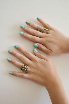 Nicki Svoboda: Teal Nails