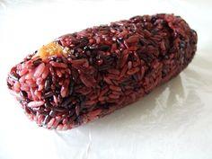 紫米飯糰 Chinese Breakfast, Cooking Rice, How To Cook Rice, Beef, Food, Meat, Meals, Ox, Yemek