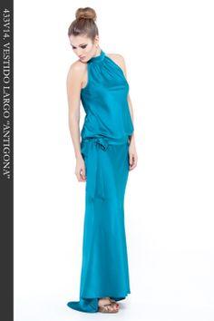 """Vestido Largo en tejido satén color esmeralda. Escote halter. Ref. 433V14 """"Antigona"""""""
