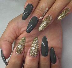Golden - Green Nails