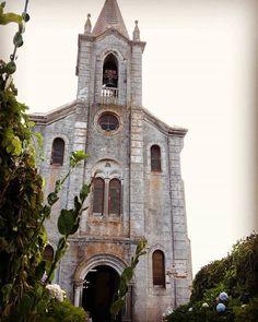 """#sitiosbonitos #ilovemyjob #Rinlo #Galicia #weddingphotography #photography #weddingGalicia #photographer #xaimecortizo #ontour  #sabado #pobosbonitos #AMariñamola #paisaxe #amariña #Lugo #fineartphotography #fotoemociones #natural #emotions #moments #presente #capturando #instantes #enhorabuena #Raquel&Manuel #preciosa #boda"" by @xaimecortizo. #eventplanner #weddingdesign #невеста #brides #свадьба #junebugweddings #greenweddingshoes #destinationweddingphotographer #dugunfotografcisi…"