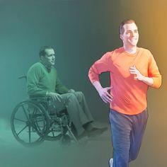Uomo su una sedia a rotelle cammina di nuovo
