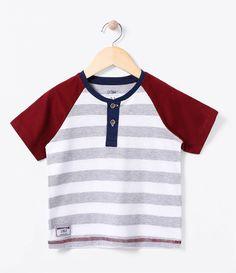 Camiseta Infantil  Manga curta  Gola redonda  Com botões na gola  Marca: Póim  Tecido: Meia malha     COLEÇÃO INVERNO 2016     Veja outras opções de    camisetas infantis.        Póim Menino     Sabemos que de 1 a 4 anos de idade, o que vale é o gosto da mamãe. E pensando nisso, a Lojas Renner, possui a marca Póim, com macacão, camisetas, camisas, calça jeans e muito mais outros produtos cheio de estilo, tudo com muita informação de moda e tendências para os baixinhos!