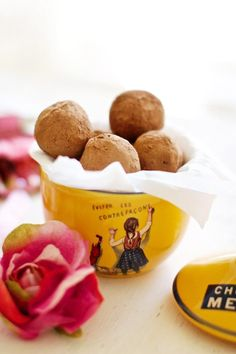 Citrus Cranberry Chocolate Truffles ~  www.familyfreshcooking.com  #vegan…