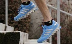 Okolo jedných z najfuturistickejšie vyzerajúcich tenisiek na behanie v dnešnej dobe sa toho od ich uvedenia na trh v minulom roku popísalo celkom dosť, no niet sa čomu čudovať. adidas Springblade