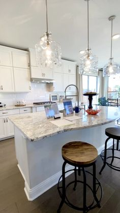 White kitchen cabinets and open concept floorplan White kitchen cabinets and open concept floorplan The Decorating Coach For DIY Decorators thedecoratingcoach Kitchen Design Open concept living […] room furniture videos Open Kitchen And Living Room, Home Decor Kitchen, Diy Kitchen, Awesome Kitchen, Kitchen Decorations, Kitchen White, Kitchen Island With Sink, 10x10 Kitchen, Kitchen Sinks
