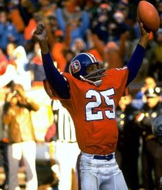 Why haven't the Broncos bought back their classic orange uniform, the ones John Elway rocked for most of his career, the ones that helped identify the Orange Crush defense of old, the team's official uni from 1968 through Denver Broncos Football, Go Broncos, Broncos Fans, Football Memes, Pittsburgh Steelers, School Football, Broncos Players, Football Stuff, American Football League