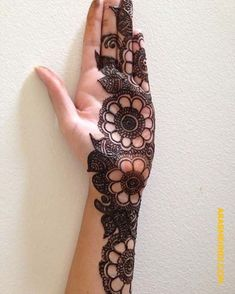Hina, hina or of any other mehandi designs you want to for your or any other all designs you can see on this page. modern, and mehndi designs Simple Arabic Mehndi Designs, Latest Bridal Mehndi Designs, Mehndi Designs Book, Mehndi Designs 2018, Modern Mehndi Designs, Mehndi Designs For Girls, Mehndi Designs For Beginners, Mehndi Design Photos, Mehndi Designs For Fingers