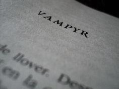 Dracula, Vampires, Castlevania Netflix, Arte Obscura, Bram Stoker, Carmilla, Vanellope, Alucard, Buffy The Vampire Slayer