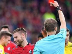 BL 3.Sptg.: Freiburg - Dortmund 0:0- BVB prallt an Freiburgs Abwehrbollwerk ab