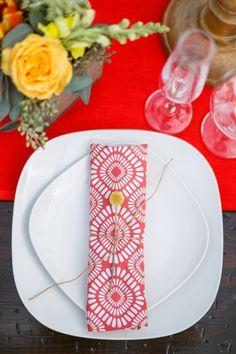 bold patterned napkins | Conrhod Zonio #wedding