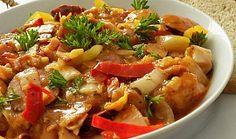 Uzené kuřecí stehno s klobásou v čínském zelí Sweet And Salty, Thai Red Curry, Meat, Chicken, Ethnic Recipes, Cooking, Cubs