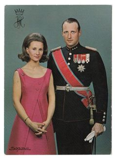 Miss Honoria Glossop:  carolathhabsburg:  King Harald and Queen Sonja of Norway. 1960s.
