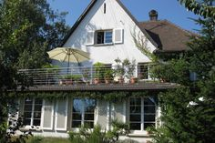 Zoek je voor de vakantie nog een accommodatie voor zes personen in het Zwarte Woud te Duitsland. Bekijk dan dit leuke appartement eens.