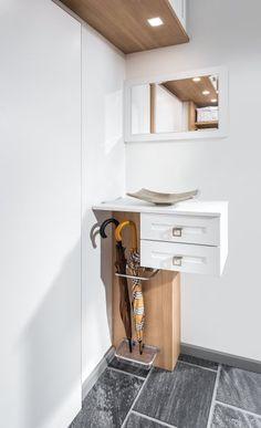 Vorzimmer | P.MAX Maßmöbel - Tischlerqualität aus Österreich Living, Easy Projects, Mudroom, Furnitures, Decoration, Entryway, Gardening, Cabinet, Interior Design