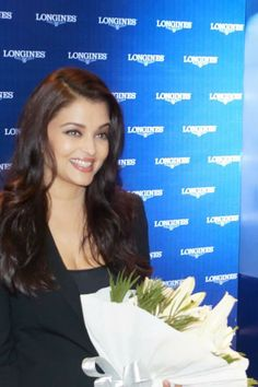 Aishwarya Rai Bachchan at the Longines showroom launch in Kochi Aishwarya Rai Latest, Aishwarya Rai Bachchan, Gin, Acting Career, Miss World, December 2013, Kochi, Latest Pics, Most Beautiful Women