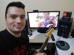 Aula telepresencial de Guitarra Baiana com meu aluno Miguel diretamente de São Paulo - SP!  Destaque para a sua guitarrinha modelo Armandinho com pintura estilo Van Halen com as cores do Bahia! Muito bonita!  http://ift.tt/2otLAND  #GuitarraBaiana #BrazilianElectricMandolin #ElectricMandolin #Mandolin #emando #AulasOnline #OnlineLessons #EducaçãoMusical #MusicEducation #eLearning #Skype