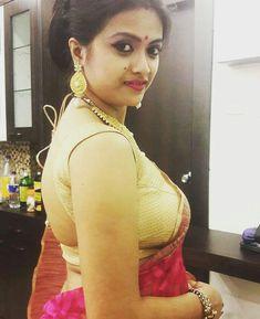 Image may contain: 1 person, closeup and indoor India Beauty, Asian Beauty, Black Beauty, Aunty In Saree, Sr K, Ethnic Dress, Indian Beauty Saree, Beautiful Saree, Beautiful Women