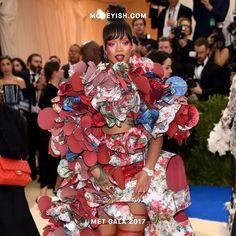 Rihanna for the win! Must see: Nicki Minaj and Ashley Graham wear H&M to what is considered the Oscars of the East (link in bio) . . . . �� Dimitrios Kambouris/Getty images #Moneyish #metgala2017 #metgala #fashion #celebrity #rihanna #nickiminaj #ashleygraham #nyc #hm #fashiongram #ootd #money #outfits #wow #lastnight #party #aesthetic #lit #womensfashion @badgalriri http://tipsrazzi.com/ipost/1505842424004870125/?code=BTl07TShf_t